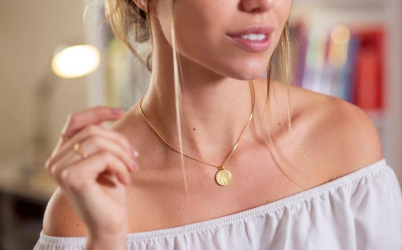 Avatim expande linhas e lança colar decorado com cristal Swarovski para o Dia das Mães
