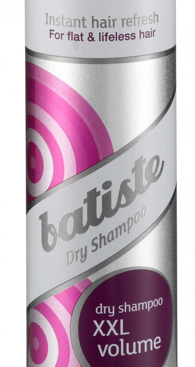 Batiste lan�a Shampoo Seco XXL Volume para modelar os cabelos
