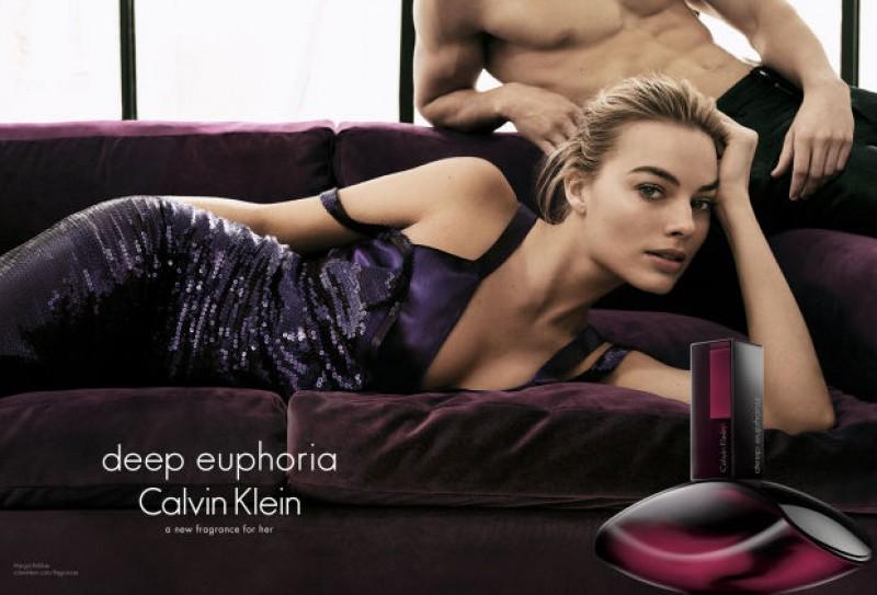 Calvin Klein amplia franquia Euphoria com o lançamento de Deep Euphoria