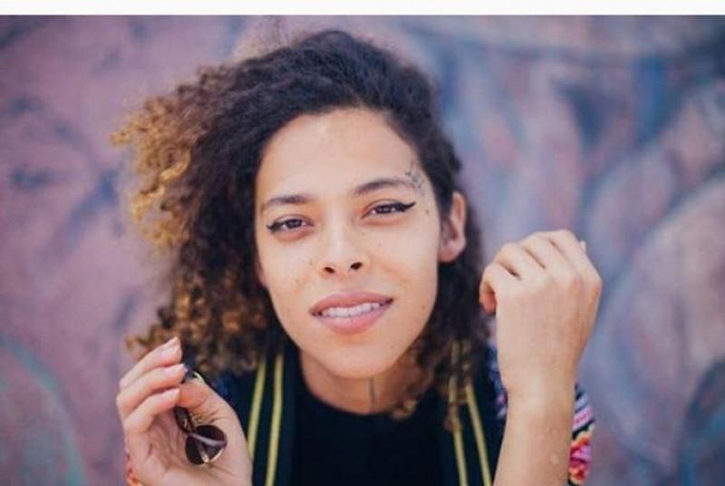 Cantora trans Rosa Luz é destaque no All Things Hair Brasil