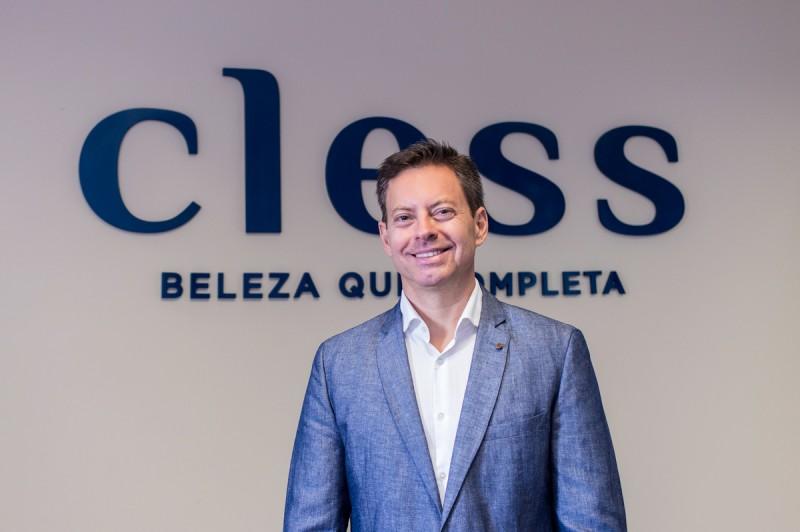 Cless reforça presença no pequeno varejo e amplia capacidade produtiva com incorporação da Opus Cosméticos