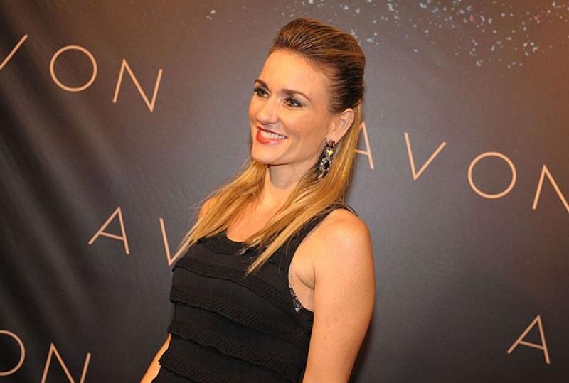Entrevista: Juliana Barros, gerente de maquiagem da Avon Brasil