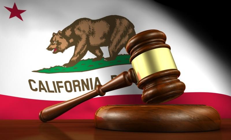 Estado da Califórnia aprova regulamentação para cosméticos profissionais