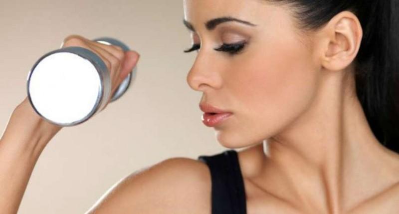 Fortes demandas por maquiagens mais duradouras elevam vendas no varejo dos EUA