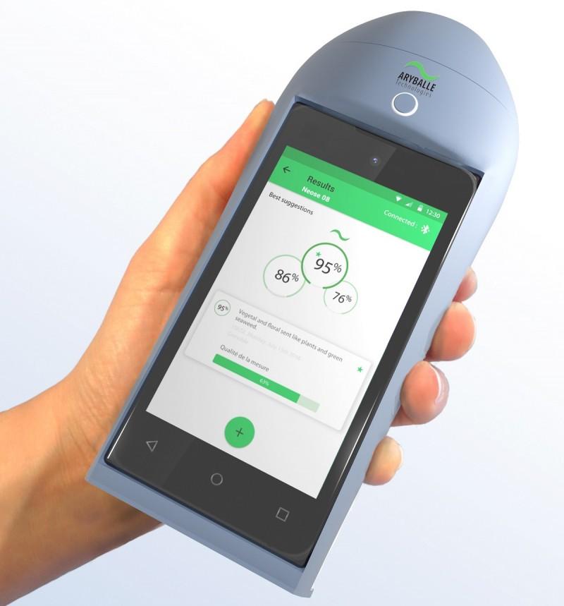 IFF firma parceria com a Aryballe para desenvolvimento de novas tecnologias e dispositivos voltados para o mercado de fragrâncias