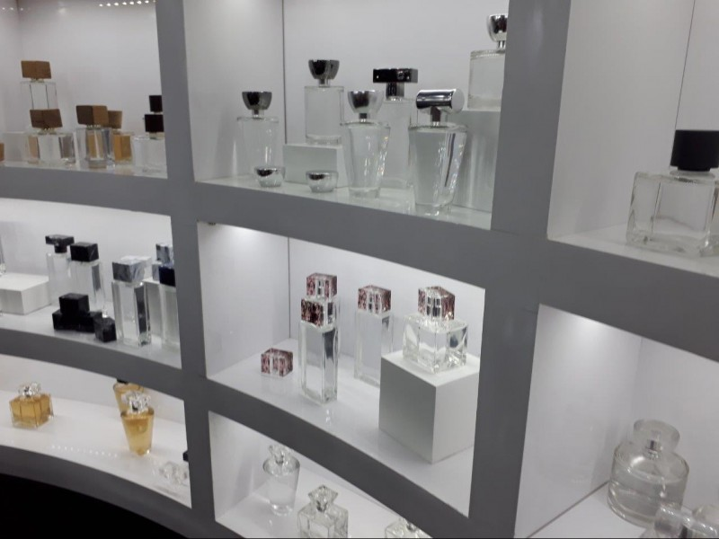 Incom investe em decoração de tampas e ampliação do mix de maquiagem na FCE Cosmetique