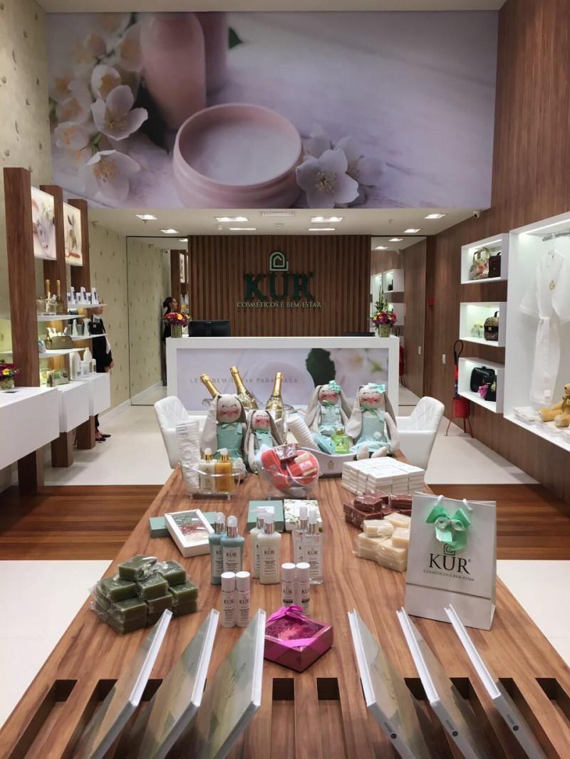 Kur Cosméticos abre sua primeira loja em Porto Alegre