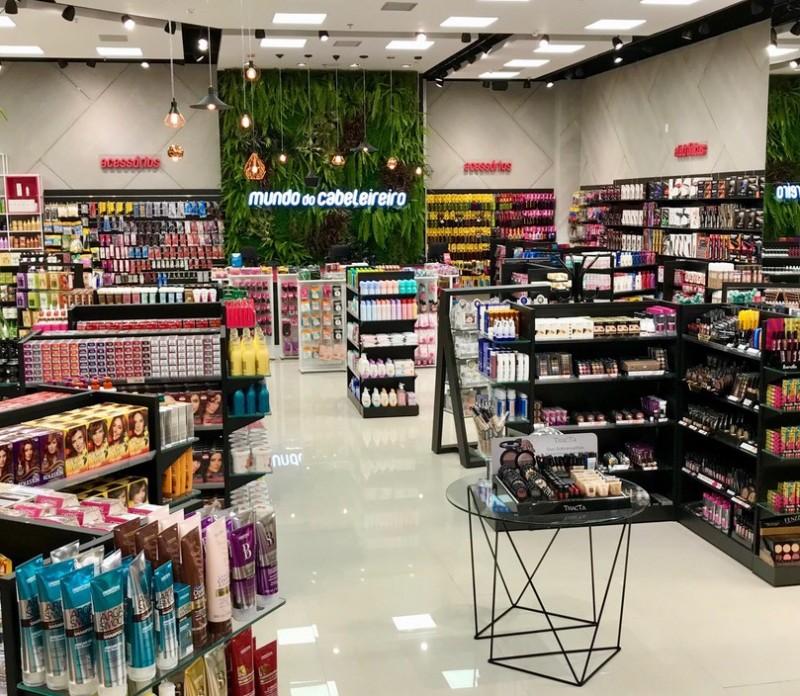 Mundo do Cabeleireiro amplia atuação em São Paulo com loja no Bourbon Shopping