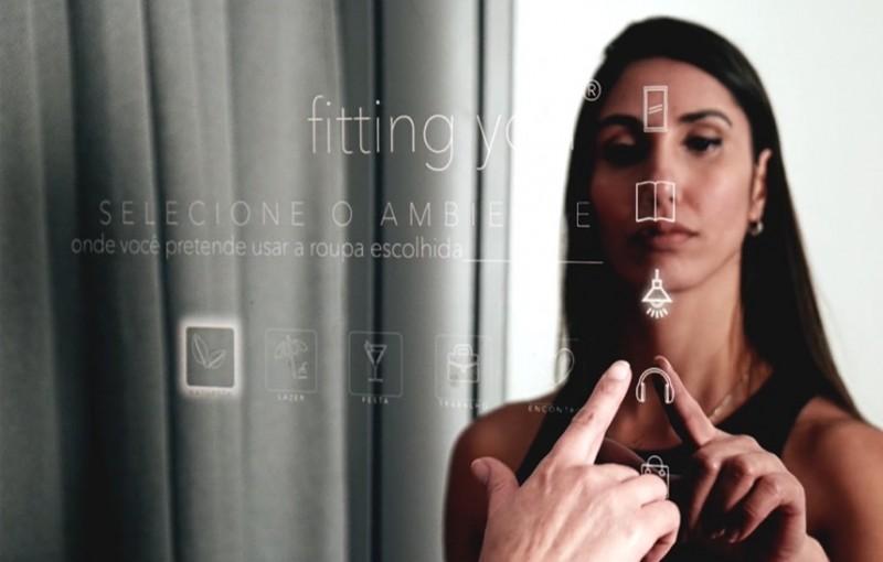 Startup de tecnologia varejista lança espelho interativo pela primeira vez no mercado